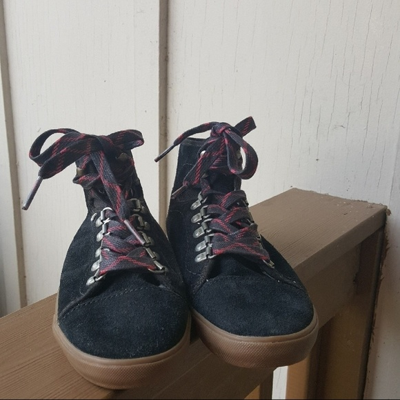 d5bf6d9f56e2f1 Vans Hadley Hiker Upper Leather Lace Up Booties 6.  M 5ad216ed5512fdb15d7d28a3